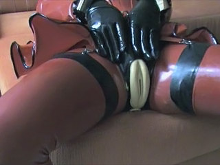 Latex 8xxxtube