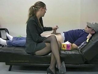 Pantyhose Big-shot Handjob...
