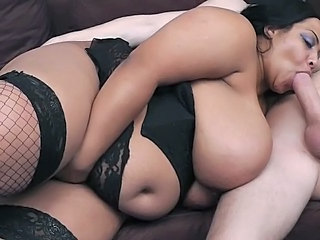 Black BBW masseuse makes flawless the ending is pilfer