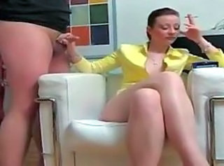 Ennuy� housewife jerks smoking