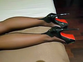 "My FF nylons to silver backseem & high heels"" target=""_blank"