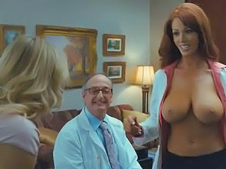 Christine Smith Topless Mere Chubby Breasts In Bad Teacher