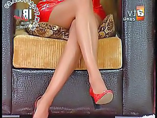 Upskirt And Downblouse Turkish Singer Tu...