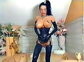 Only Opearl in Latex-Pierced...F70