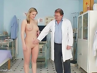 Zaneta Has Her Pussy Gyno Speculum Examined By Old Water down
