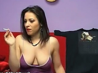 Smoking Brunette Gender Her Pussy With A Red Dildo1.wmv