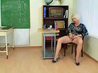 Milf teacher loves wide masturbate
