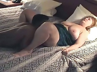 Plumper mature housewife gets fucked &; creampied