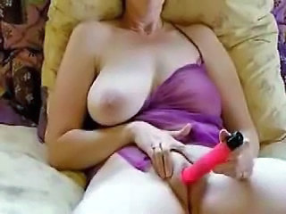 Amateur matured broad in the beam boobs vibrator rail against