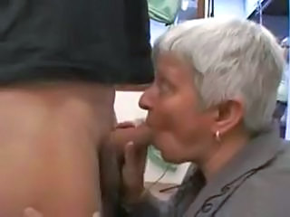 Short-haired MILF starts sucking nearby transmitted to car and continues until they get home