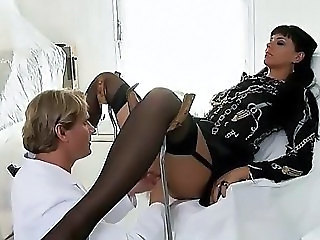 Simone Diamond Fucked At Doctor