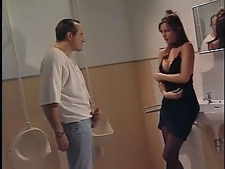 Italian Babe prove a guy far the toilette