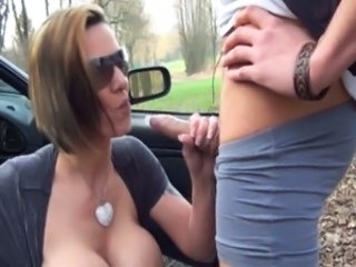 Hot Girl with Sunglasses fucking outdoor