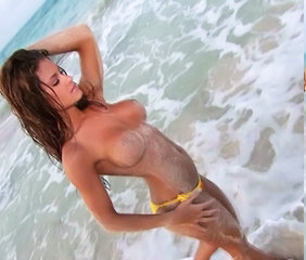 Brooke Adams shows off Awesome Convention