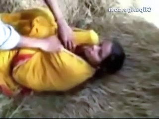 Local village lady Keeru getting her soul exposed off saree by friends free