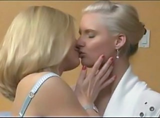 Comme ci Milf Lesbians and their Strapon