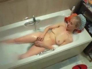 Mature White Mom Bathes with an increment of Plays on Hidden Cam - Voyeur