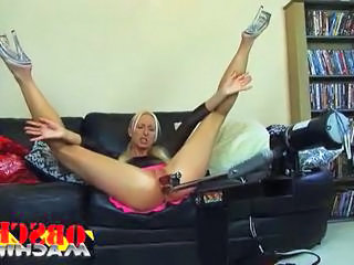 Flexible blonde milf gets duplicate penetrated by her mating machi...