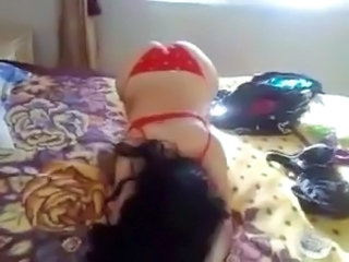 Hot egyptian girl show her erotic body in bed