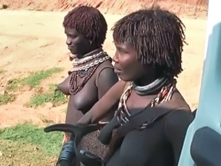 africa dame show tits