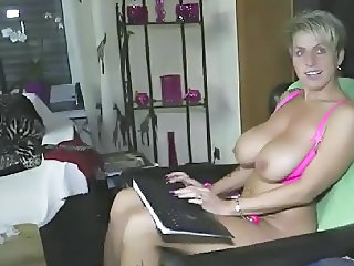 Hot german milf with a extreme wet cunt