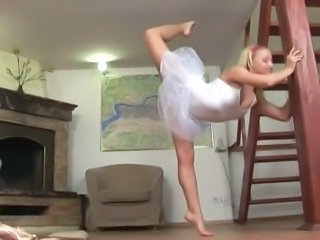 Flexible pussy does fat sucking