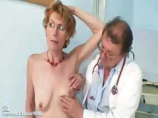Old lady Mila visiting gyno doctor be useful to pussy speculum examination on gynochair
