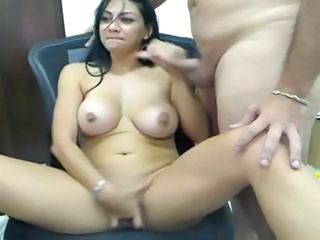 Willing speedy sister with an intrepid holedoes a dick first of all her cam show