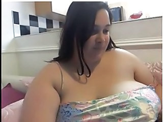 BBW pops say no to tits out a few times on cam